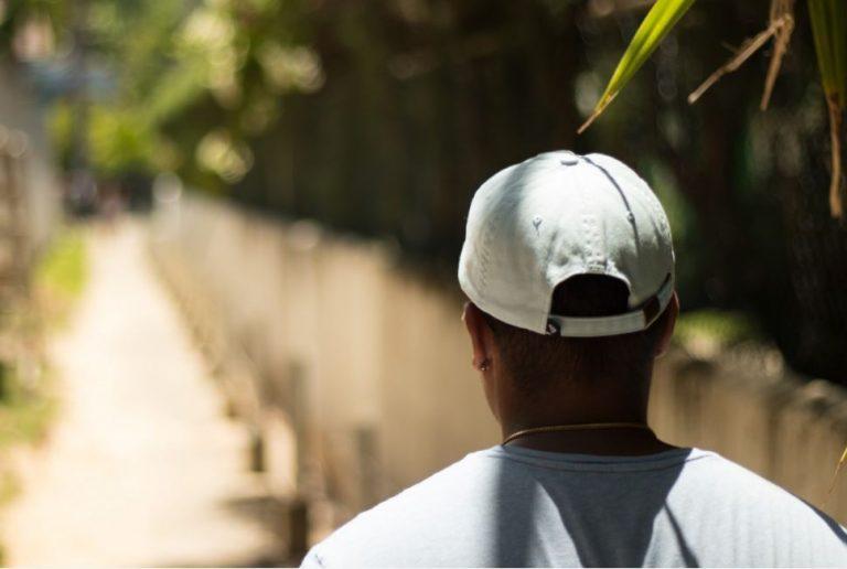 Stylowe czapki z daszkiem na lato