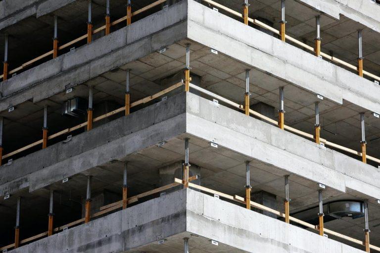 Czy systemy deskowań sprawią że twoi pracownicy będą bezpieczniejsi?
